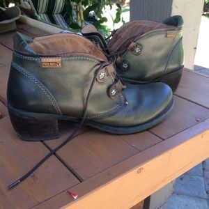 Pikolinos ankle boot olive green soft  Sz 37